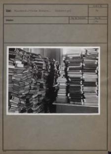 Wissenschaftliche Bücherei, Bücherstapel