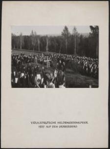 Heldengedenkfeier a. d. Gräberberg = Volksdeutsche Heldengedenkfeier 1937 auf dem Gräberberg