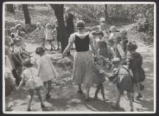 Lodz : Ringelreihen im Kindergarten