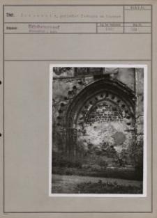 Schieratz : gotischer Torbogen am Kloster