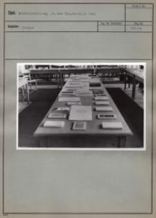Buchausstellung in der Hauptstelle 1943
